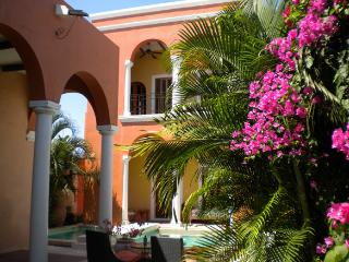Luxurious Colonial in Merida Centro - Felicity vacation rentals