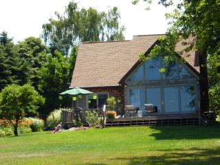 Bed and Breakfast at Kinsail on the Lake, Niagara Region, Wilson, Western NY - Wilson vacation rentals