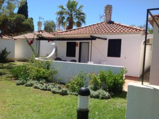 Charming Cottage by Barril beach, Pedras del Rei, Santa Lúzia, Tavira Portugal - Tavira vacation rentals