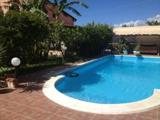Nice Villa with Shared Outdoor Pool and Satellite Or Cable TV - Balestrate vacation rentals