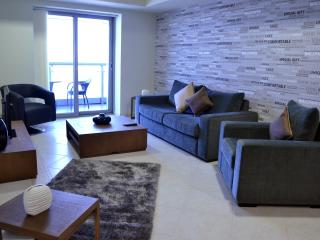 HIGH FLOOR 2BR|SEA VIEW|DUBAI MARINA|45132 - Dubai Marina vacation rentals