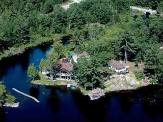 The Hummingbird - Muskoka - Tea Lake Cottages - Coldwater vacation rentals