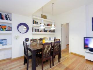 Atelier San Pietro - Stylish apt close to history - Rome vacation rentals