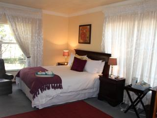 Phokeng Gardens Bed and Breakfast - Likalaneng vacation rentals