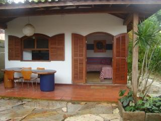 house in the hart of Buzios 2 mim rua das pedras and beach. - Armacao Dos Buzios vacation rentals