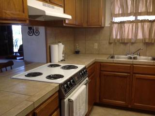 Lovely 2 bedroom Yuma Apartment with Internet Access - Yuma vacation rentals