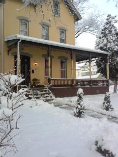 SPECIAL Washington Park Victorian Suite DEAL - North Plainfield vacation rentals