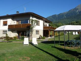 Villatrecariole con piscina vista lago e monti - Colico vacation rentals