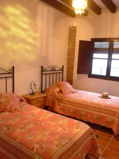 La Casa del Sol. Calm to  35Km from Granada City. - Albunuelas vacation rentals