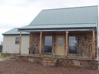 Perfect 1 bedroom Cabin in Mason with A/C - Mason vacation rentals