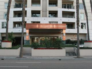 LUXURY HIGH-RISE OCEAN  CONDO(SECURITY $ REQUIRED) - Long Beach vacation rentals