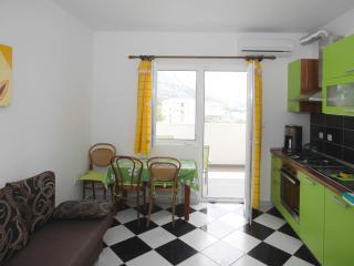 Apartments Mila GREEN A2 - Makarska vacation rentals