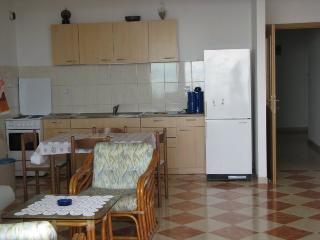 Apartments Mila Makarska A4 YELLOW - Makarska vacation rentals