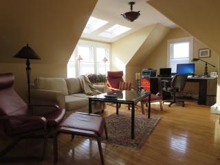 Summer Newport Historic Hill 1 Bdrm - Newport vacation rentals
