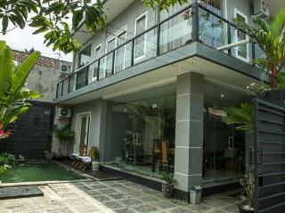 3 Bedroom Villa at Seminyak with Private Pool - Kerobokan vacation rentals