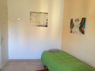 MONTJUIC RENTAL SINGLE BEDS SHARING FLAT BARCELONA - Barcelona vacation rentals