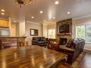 Snowbasin South Views | Luxury 4 Bedroom Condo | Newly Remodeled - Huntsville vacation rentals