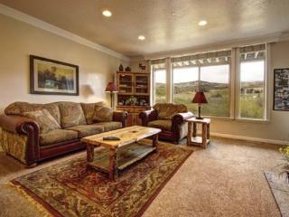 Snowbasin South View | 3 Bedroom Luxury Condo | Lakeside Unit 15 - Huntsville vacation rentals