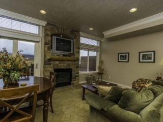 Snowbasin View Condo | Luxury 1 Bedroom | Lakeside Unit 40A - Huntsville vacation rentals