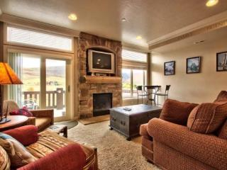 Snowbasin View Huntsville Condo | Luxury 1 Bedroom | Lakeside Unit 52A - Huntsville vacation rentals