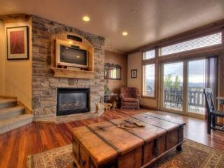 Lake Front Condo in Huntsville | Luxury 2 Bedroom | Lakeside Unit 73 - Huntsville vacation rentals