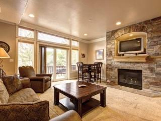 Snowbasin Park View Condo | Luxury 2 Bedroom | Lakeside Unit 78 - Huntsville vacation rentals