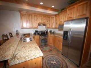 Lakefront Huntsville Condo | Luxury 1 Bedroom | Lakeside Unit 57A - Image 1 - Huntsville - rentals