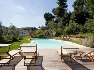 7 bedroom Villa with Internet Access in Serravalle Pistoiese - Serravalle Pistoiese vacation rentals