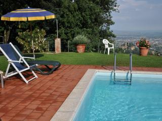 Lovely 1 bedroom Apartment in Buggiano with Shared Outdoor Pool - Buggiano vacation rentals