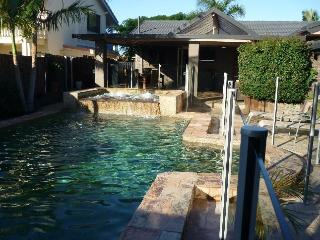 Maureen Oasis - your own private waterfront home - Gold Coast vacation rentals