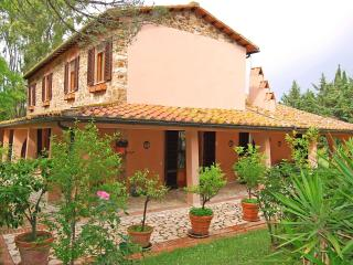 Spacious 4 bedroom House in Massa Marittima with A/C - Massa Marittima vacation rentals