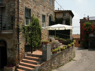Spacious House with Central Heating and Satellite Or Cable TV - Lucca vacation rentals