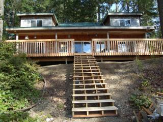Beautiful Lake Retreat on Olympic Peninsula - Port Orchard vacation rentals