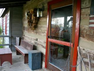 Log Cabin in the Bluegrass, 30 day minimum - Danville vacation rentals