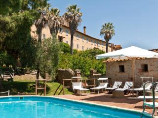 Nice 8 bedroom Marsiliana Condo with Central Heating - Marsiliana vacation rentals