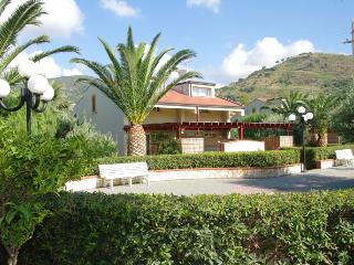 Bright 2 bedroom Vacation Rental in Cefalu - Cefalu vacation rentals