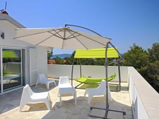 Vila Moli Apartments- 2 Bedroom Lux Apartment Cuci - Zadar vacation rentals
