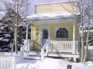 Romantic Cottage for 2 + 2 Children on Main Street - Breckenridge vacation rentals
