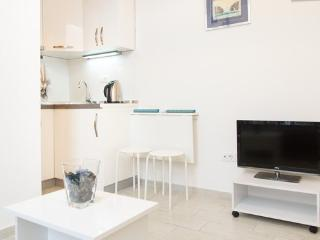 Sweet studio in center FREE PARKING - Belgrade vacation rentals