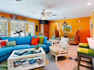 Simpatico: 2BR Pet-Friendly Canal Home with Kayaks - Anna Maria vacation rentals