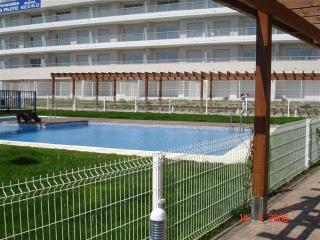 Vivienda con garaje en urbanizacion con piscinas, - Denia vacation rentals