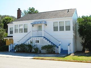 #19 13th Street - Upstairs - A Great Tybee Beach House in a Terrific Location - FREE Wi-Fi - Georgia Coast vacation rentals