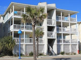 Pelican Point Condos - Unit 5 - Small Dog Friendly - FREE Wi-Fi - Tybee Island vacation rentals