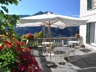 Lovely B&B with Internet Access and Fax Machine - Molina di Faggeto Lario vacation rentals