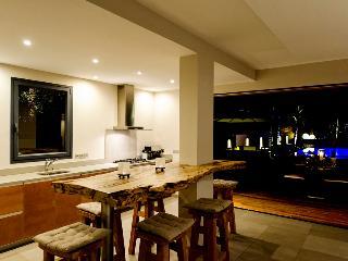 K (VLK) - Anse Des Cayes vacation rentals