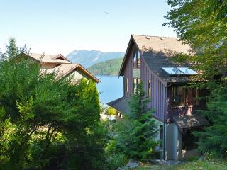 Spectacular ocean and mountain views - Egmont vacation rentals