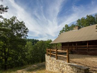 Cinnamon Valley - 'The Cattleman' - Eureka Springs vacation rentals