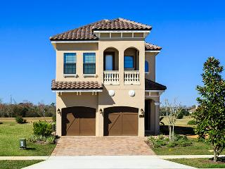 W174 - Bright Contemporary 5 Br Golf View Home - Disney vacation rentals