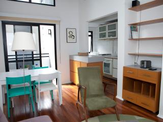 Pinheiros Calixto Color | Sampa Housing - Sao Paulo vacation rentals
