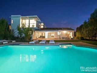 Soledad Modern - New Contemporary Masterpiece in La Jolla, California - Elvira vacation rentals
